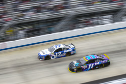 Ricky Stenhouse Jr., Roush Fenway Racing Ford and Denny Hamlin, Joe Gibbs Racing Toyota