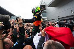 Sergio Pérez, Sahara Force India F1 celebra su tercer lugar en parc ferme