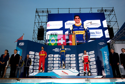Podium: winnaar Sébastien Buemi, Renault e.Dams, 2de Lucas di Grassi, ABT Schaeffler Audi Sport, 3de Nick Heidfeld, Mahindra Racing