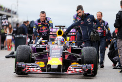 Daniel Ricciardo, Red Bull Racing RB11 op de grid