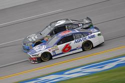 Ricky Stenhouse Jr., Roush Fenway Racing Ford and Kasey Kahne, Hendrick Motorsports Chevrolet
