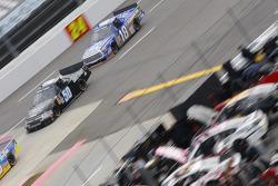 Travis Kvapil, Premium Motorsports Chevrolet and Ross Kenseth, Hattori Racing Enterprises