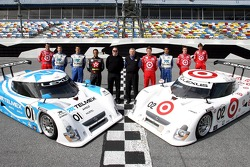 Chip Ganassi with Felix Sabates photoshoot: team owner Chip Ganassi, managing director Mike Hull, and drivers Dario Franchitti, Scott Pruett, Memo Rojas, Juan Pablo Montoya, Scott Dixon, Salvador Duran, Alex Lloyd and Dan Wheldon