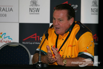 Alan Jones, Seat Holder of A1 Team Australia