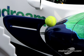Tennis balls to protect aerodynamic devices with sharp edges on the Honda Racing F1 Team, RA108