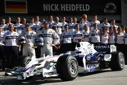 BMW Sauber F1 photoshoot: Nick Heidfeld, BMW Sauber F1 Team and Christian Klien, Test Driver, BMW Sauber F1 Team