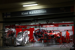 Kimi Raikkonen, Scuderia Ferrari in the garage at night