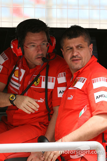 Federico Uguzzoni, Scuderia Ferrari, Chief Mechanic and Luca Baldisserri, Head of Trackside Operations