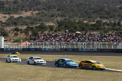 Tom Coronel, Sun Red Seat Team, Seat Leon FSI and Robert Huff, Chevrolet, Chevrolet Lacetti