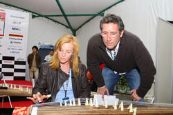 Honda Welcome Party: Laura and Tony George learn how to play a traditional Japanese intrument