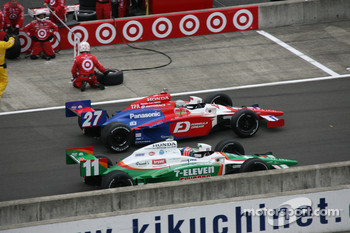 Hideki Mutoh and Tony Kanaan battle on pit road