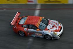 #46 Flying Lizard Motorsports Porsche 911 GT3 RSR: Johannes van Overbeek, Patrick Pilet