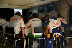 Teams meeting, Ron Dennis, McLaren, Team Principal, Chairman, Nick Fry, Honda Racing F1 Team, Chief Executive Officer and Flavio Briatore, Renault F1 Team, Team Chief, Managing Director