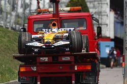 Fernando Alonso, Renault is taken back to the pits