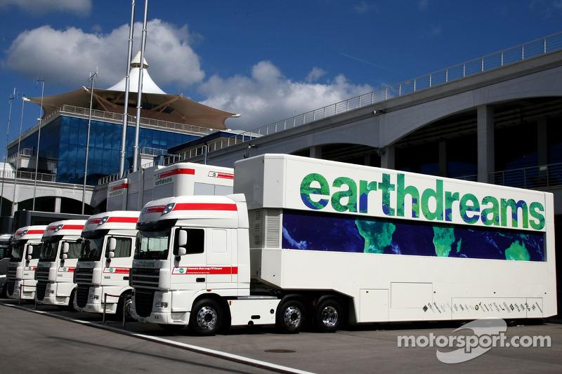 Honda Racing F1 Team, Trucks