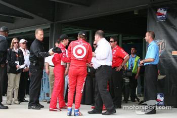 Team Ganassi celebrate the pole award to Scott Dixon