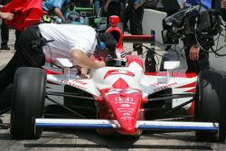 Hideki Mutoh receives qualifying instructions from Brian Barnhart