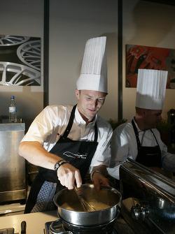 Alexandre Prémat cooks for the media