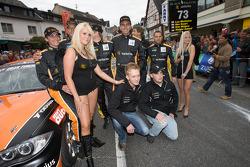 Sartorius Team Black Falcon team  members pose with the girls