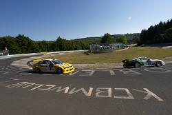 #39 Porsche 996 GT3 Cup: Scott O'Donnell, Lindsay O'Donnell, Allan Dippie, Bruce Stewart, #53 MSC Rhön e.V. im AvD BMW M3: Pierre de Thoisy, Thierry Depoix, Eric Van de Vyver