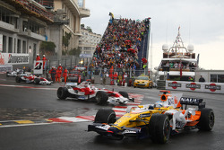 Fernando Alonso, Renault F1 Team, R28 and Jarno Trulli, Toyota Racing, TF108