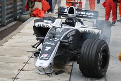 Crash damaged, Nico Rosberg, WilliamsF1 Team, FW30