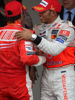 Winner, 1st, Lewis Hamilton, McLaren Mercedes, MP4-23 and Felipe Massa, Scuderia Ferrari, F2008