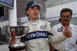 Robert Kubica,  BMW Sauber F1 Team, celebrates 2nd place with Dr. Mario Theissen, BMW Sauber F1 Team, BMW Motorsport Director