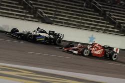 Scott Dixon attempting to pass Marco Andretti