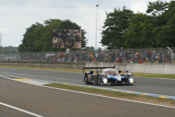 #7 Team Peugeot Total Peugeot 908: Nicolas Minassian decides to stay out on slicks