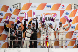 LMP3 podium: winners David Cheng, Ho-Pin Tung, Thomas Laurent, second place Alex Kapadia, Masataka Yanagida, Olie Hancock