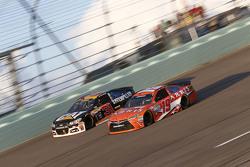 Ryan Newman, Richard Childress Racing Chevrolet and Carl Edwards, Joe Gibbs Racing Toyota