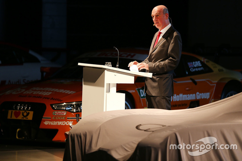 Audi Sport-baas Dr. Wolfgang Ullrich doet de introductie