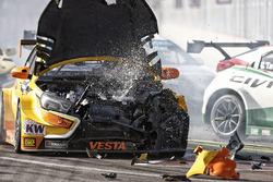 Mikhail Kozlovskiy, Lada Vesta WTCC , Lada Sport Rosneft crash