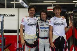 AAI车队负责人陈俊杉和他的日本队友们