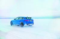 Automotive Photos - José Mourinho prend le volant de la Jaguar F-Pace