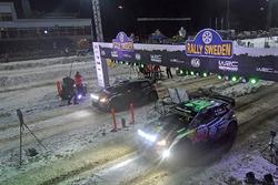Andreas Mikkelsen, Anders Jäger, Volkswagen Polo WRC, Volkswagen Motorsport and Sébastien Ogier, Julien Ingrassia, Volkswagen Polo WRC, Volkswagen Motorsport