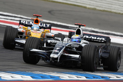 Nico Rosberg, WilliamsF1 Team, FW30 leads Fernando Alonso, Renault F1 Team, R28