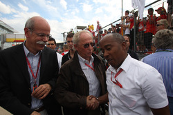 Dr. Dieter Zetsche, Chairman of Daimler with Prof. Jurgen Hubbert, Board of Management DaimlerChrysler and Anthony Hamilton, Father of Lewis Hamilton