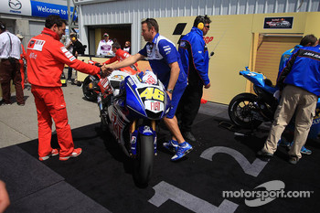 The winning bike of Valentino Rossi in parc ferm