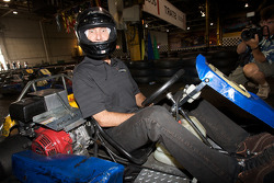 Drivers and media go-kart event: Ron Fellows ready for action