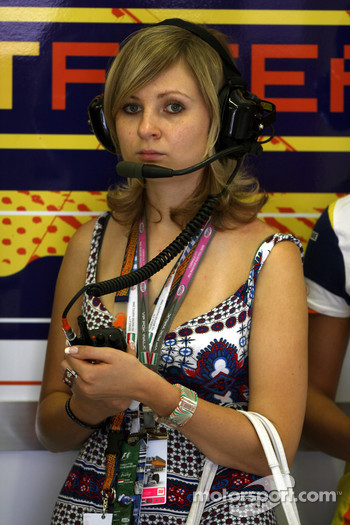 A girl in the Renault F1 Team garage