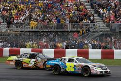 Jacques Villeneuve and Ron Fellows battle