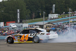 David Reutimann spins