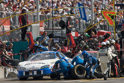 Pit stop for Dario Franchitti