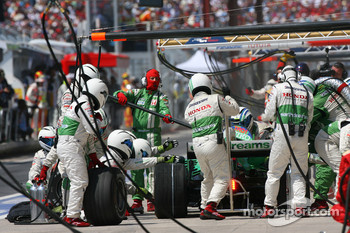 Rubens Barrichello, Honda Racing F1 Team, RA108 pit stop