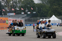Track inspection: Tony Kanaan, Hideki Mutoh, Franck Montagny and James Rossiter
