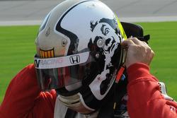 Oriol Servia has a new helmet