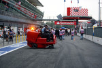 Pit lane cleaning machine