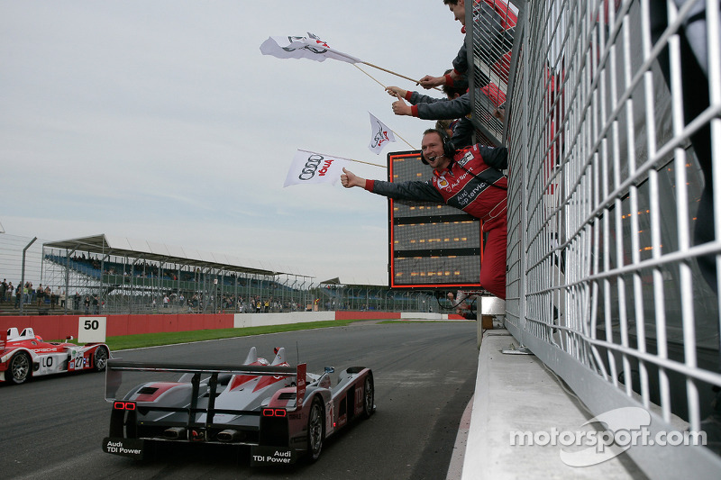 #1 Audi Sport Team Joest Audi R10 TDI: Allan McNish, Rinaldo Capello celebrates win